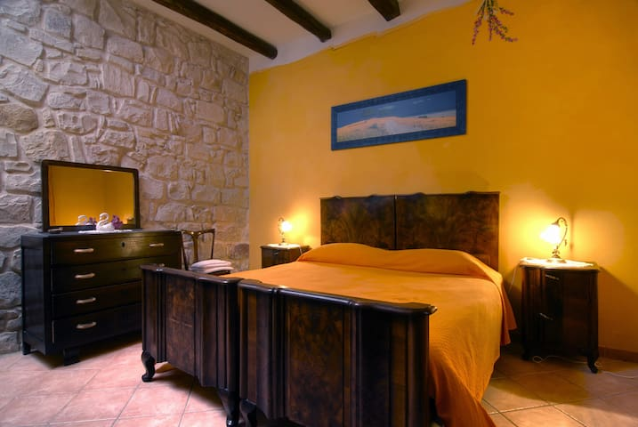 Bouganville Room B&B Domus de Janas - Gonnesa - Bed & Breakfast
