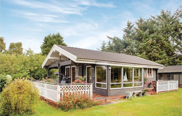 Holiday cottage with 2 bedrooms on 58m² in Hals