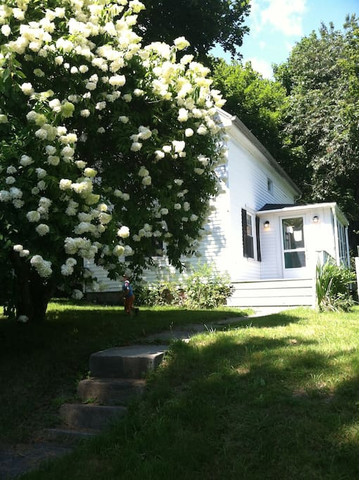 Doubling Point Cottage: Step out of the fast lane, and into a peaceful getaway.