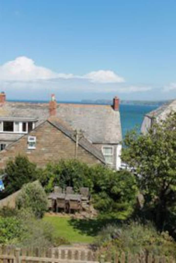 Seaside flat in historic villages