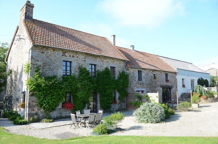 gîte rural à 10mn de la mer - Saint-Aubin-des-Préaux - 獨棟