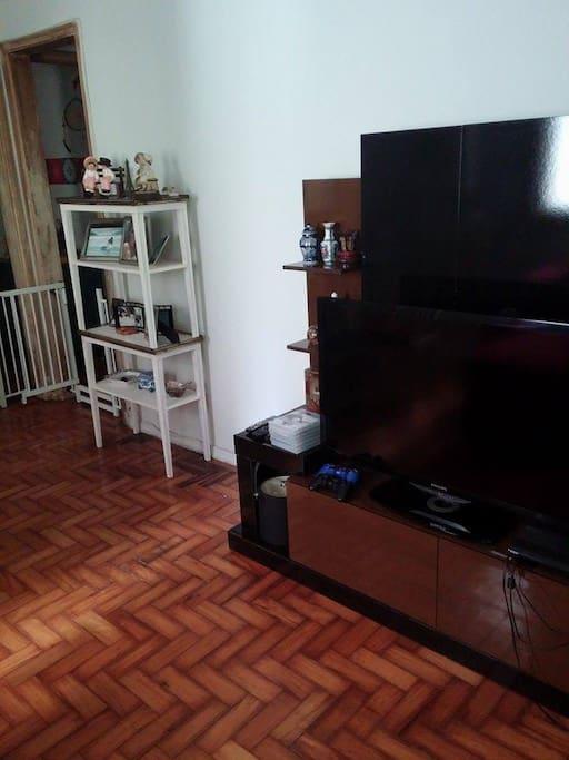 TV lcd com DVD