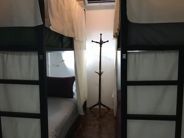 Cheaper price in old town! Bunk bed and Breakfast
