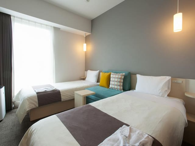[Guiness's Certification]Close to Tokyo Disney Resort's Maihama Station.Funny robot staffs. Standard Twin Room
