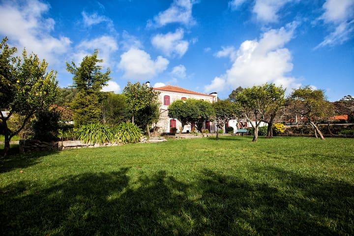 CASA CAPOTO - Charming House with Pool and Gardens - Esposende - Дом