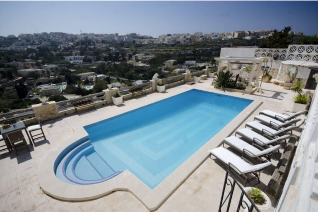 Large Villas For Rent In Malta