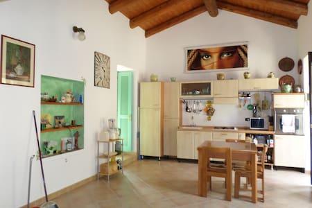 Nell'entroterra Ligure - Olivetta San Michele - Huoneisto