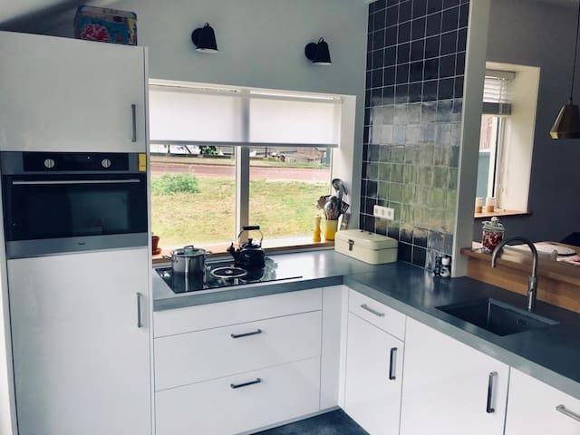 Kitchen (Quooker, Bora system)
