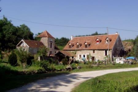 Huis zwem/vis-meer BEAUNE/DIJON - Arnay-le-Duc - Hus