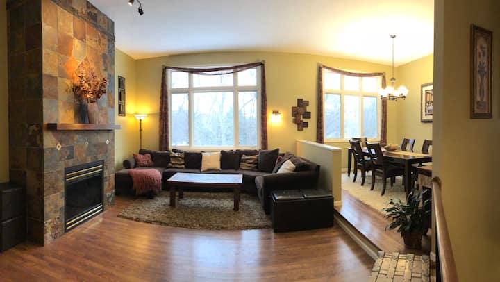 4100 Square Foot Executive Home Sleeps 11