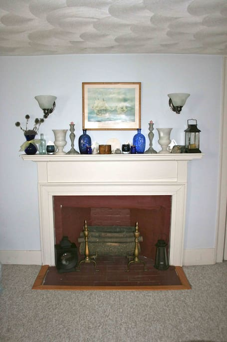 Original 1809 fireplace mantle and moldings