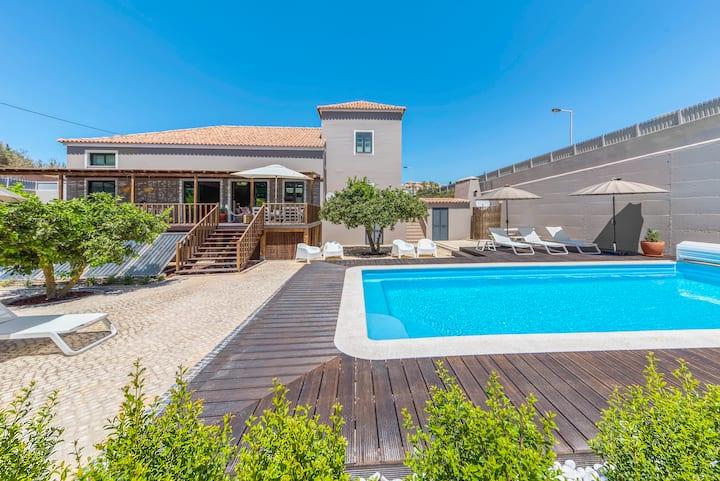 Ferragudo,  16-persoons luxueus Beach House