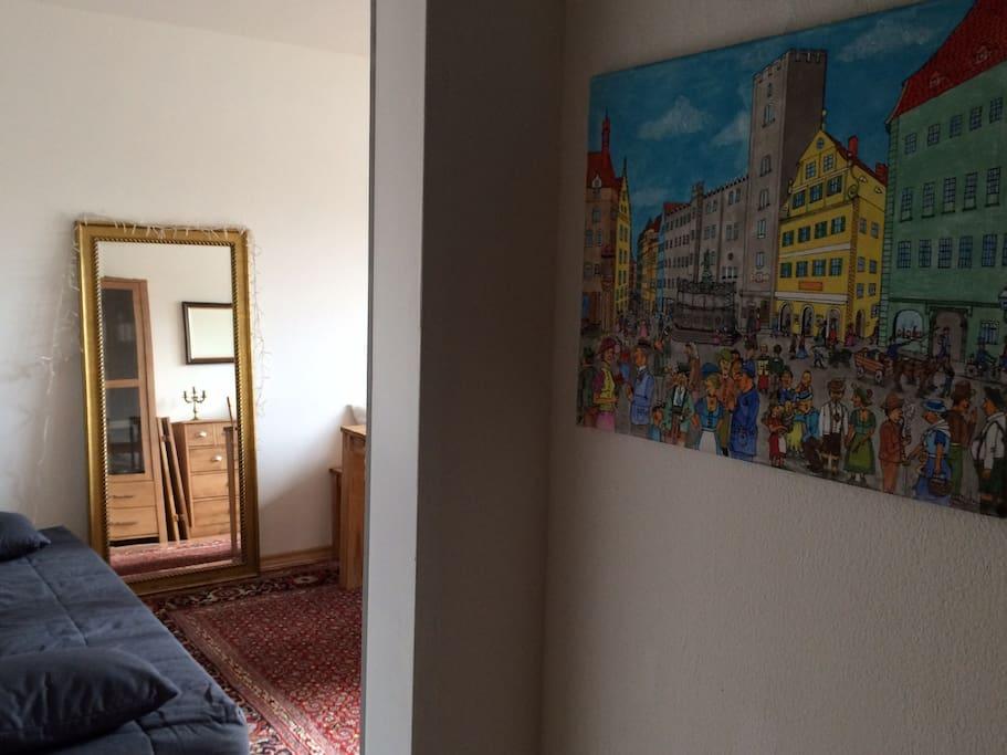 Flur mit Regensburger Karikaturen