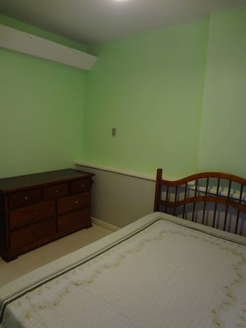 Bed room/Side 2 - Quarto/Lado 2