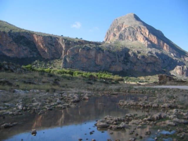 Caravan in Reserve of Mount Cofano - Custonaci - Autocaravana
