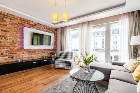 Charming and bright apartment at Old town - Łak54