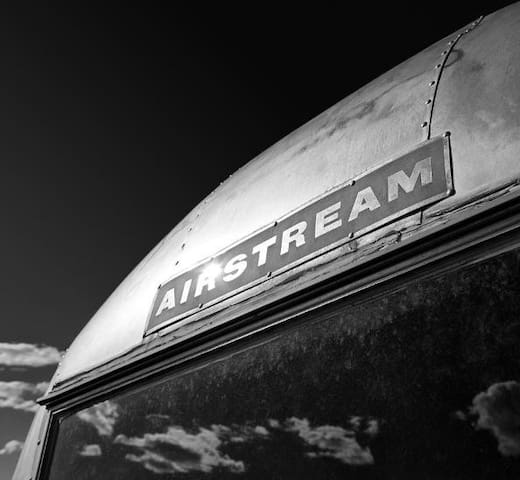 Airstream Trailer an Wunschplatz