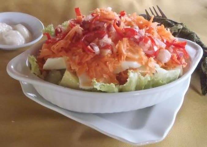 Vegetarian chef salad
