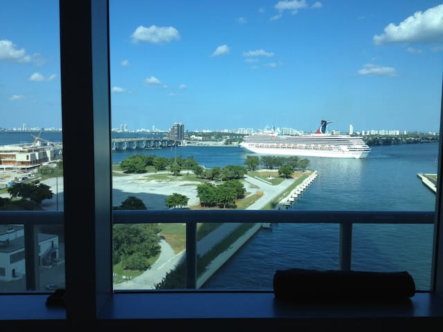 Watch the cruise ships leave the Port of Miami