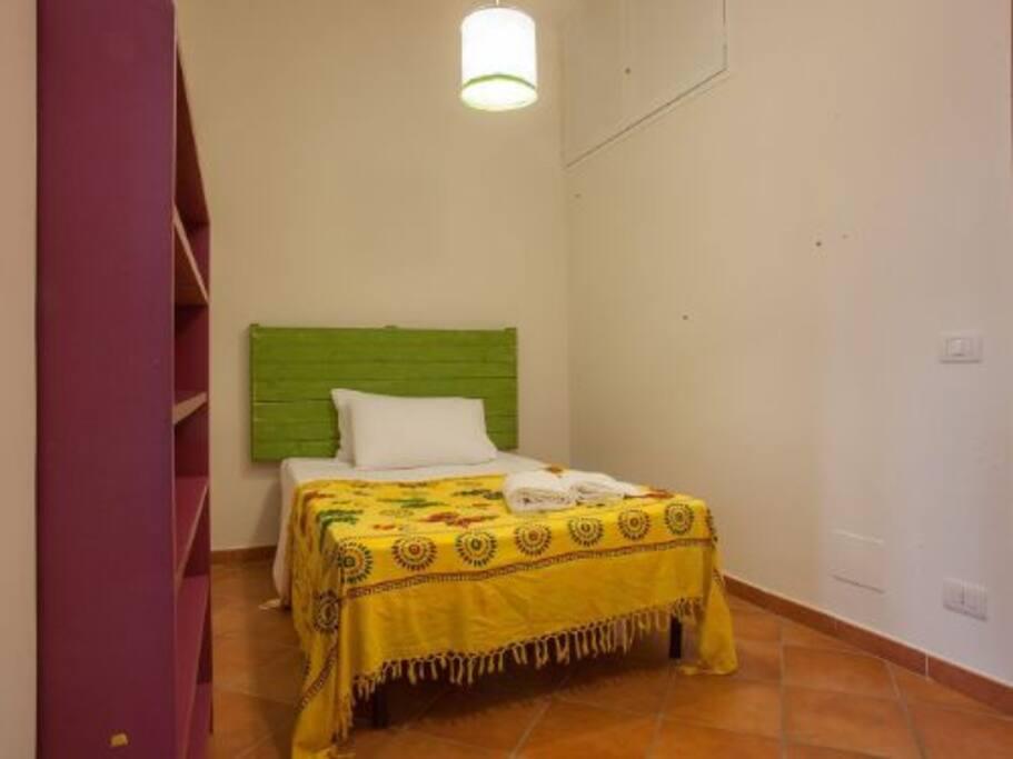 Camera da letto ( letto alla francese)