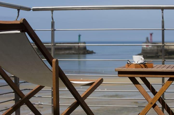 FACE MER maison avec terrasse**** - Port-en-Bessin-Huppain - Casa