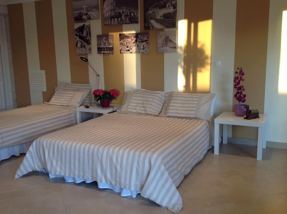 Beds for 3 guests, single click clack bed, 1.88x0.80
