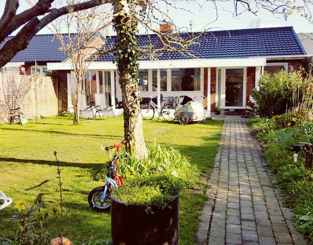 Beautiful house near to the beach - Vallensbæk Strand - Rumah