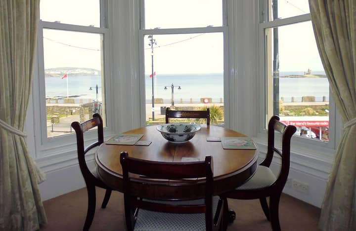 Luxury One Bedroom Sea View Apartment