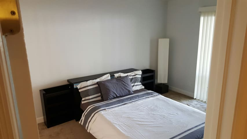Cozy bed and quiet atmosphere! - Fort Myers - Appartement