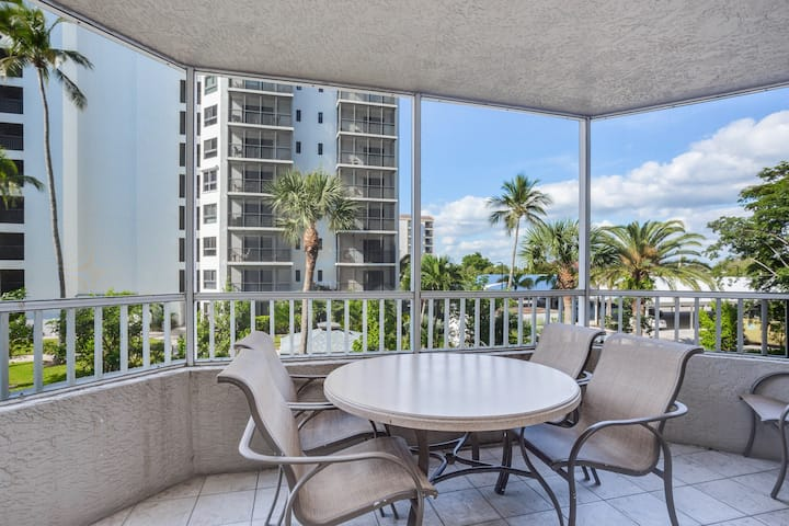 Resort style amenities w/ beach access and shared heated pool