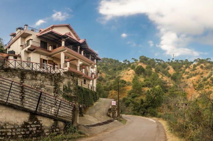 Entire Villa # 5BHK# Hilltop view# BonFire