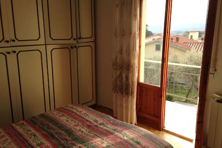 Bilocale con vista sulla campagna toscana - Borgo San Lorenzo - Apartemen