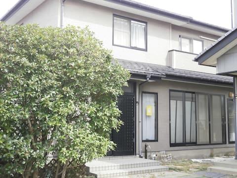 山形県で認可民泊第1号ゲストハウスさいとう/グループ/個人旅行に最適!空気のおいしい家です。