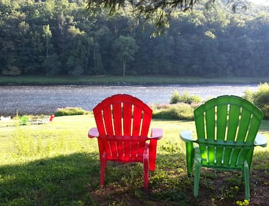 Escape! Delaware Riverfront, Private & Pristine! - Barryville - House