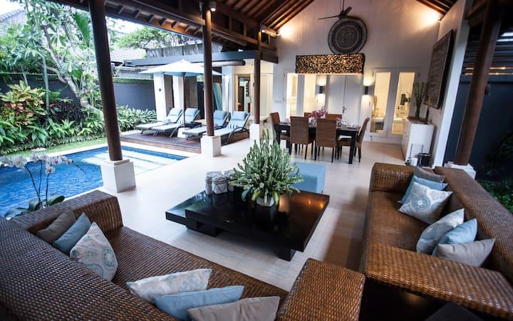 ★Hide away in Luxury Complex★ 2BR Villa Seminyak