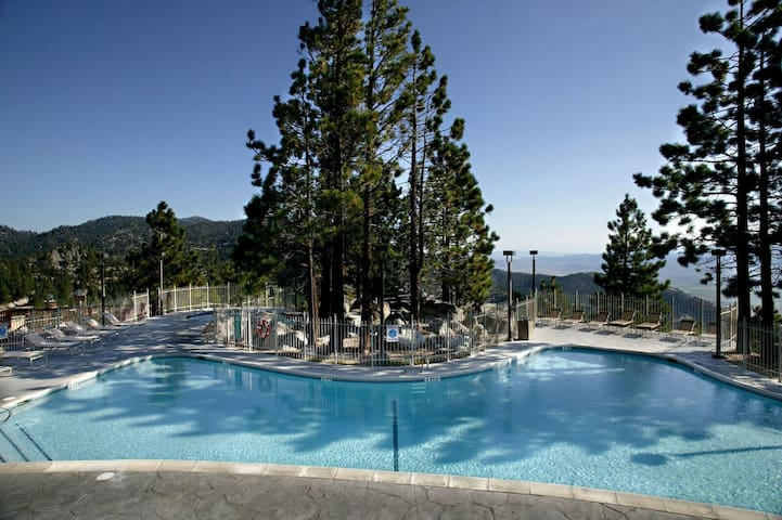 Spacious + Luxe Heavenly Villa | Pools, Spa, Fitness Centre On-site!