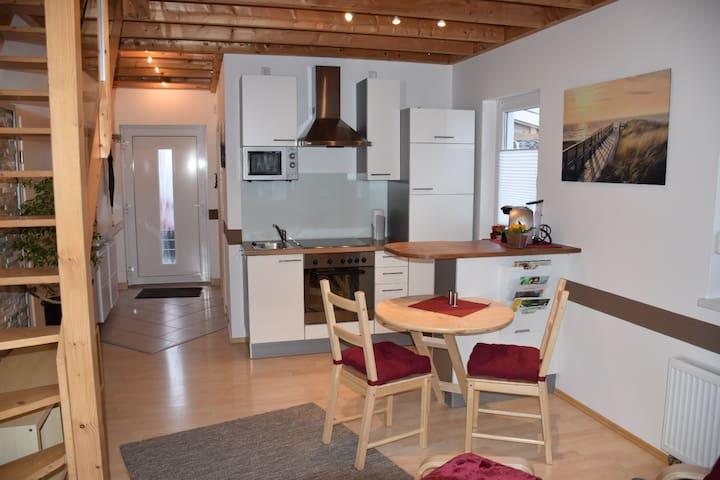 Galerie Wohnung (in Bahnhofnähe) - Mering - Casa