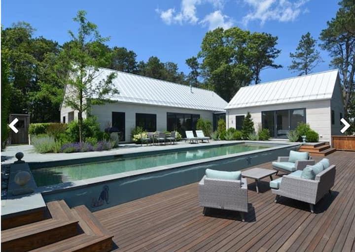 Modern Expansive & Private Oasis - Pool & Hot Tub