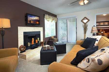 Cozy, Clean, 7 minutes from Atlantic Beach. - Apartment