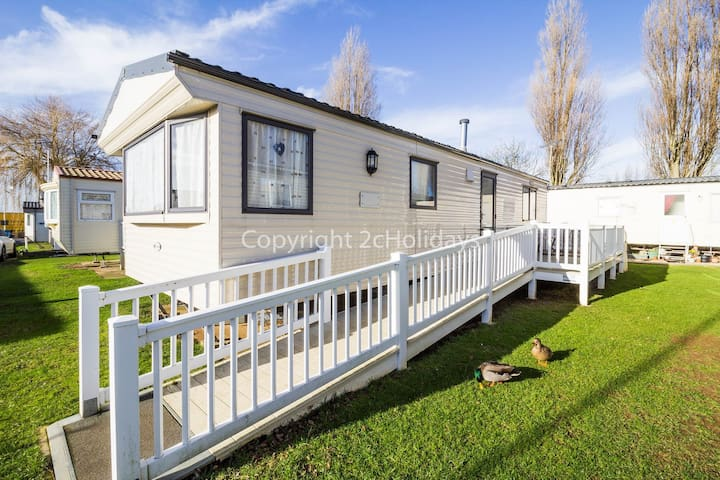 2 Bed, 6 Berth, 23006 Anmer area.