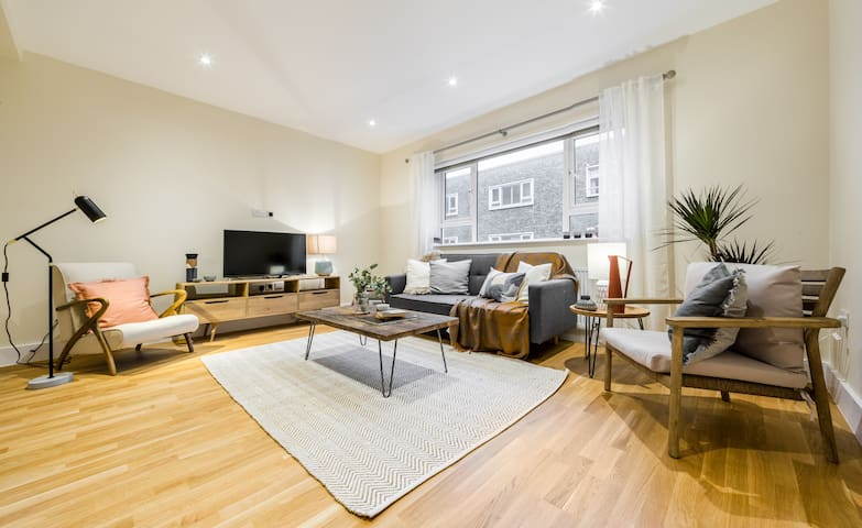 (2) South Kensington Flat with 3 beds, 2.5 baths
