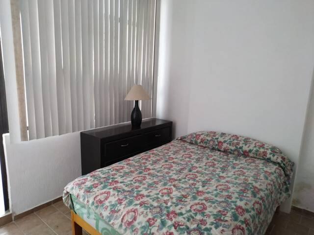 Habitación  4 con baño propio cerca Plaza Galerías