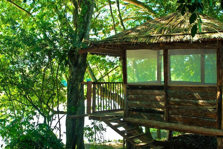 Wood Cabin on farm overseeing the Cauca River - Cartago