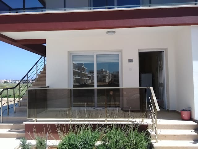 NEW FLAT TO RENT IN RESIDENCE-300 MT. TO THE BEACH - Yeni İskele - Lyxvåning