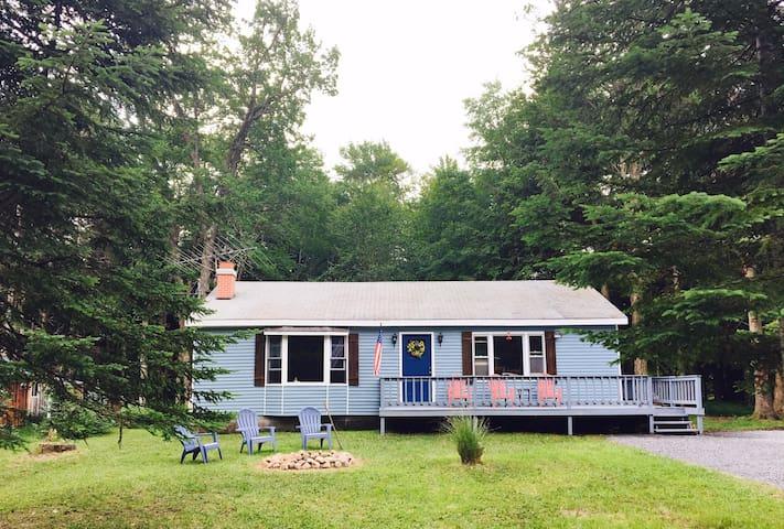 Lil' Moose Cottage