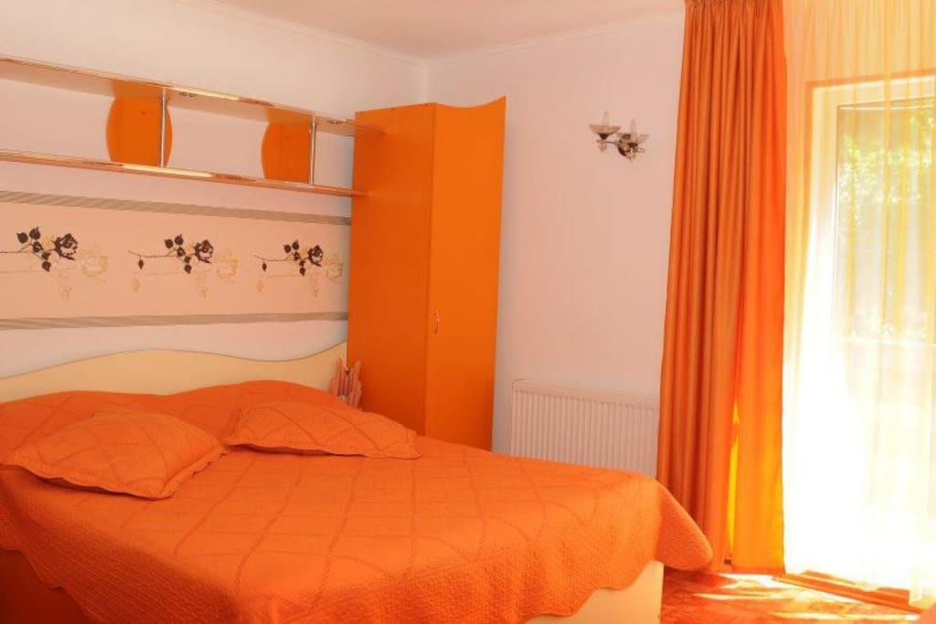 Super cozy Orange Double Bed :-)