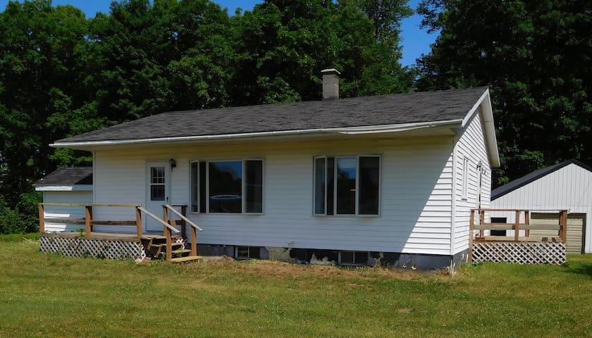 Country Home in Michigan's U P