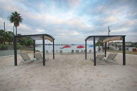 Lake LBJ Tropical Condo- Swim Beach Open