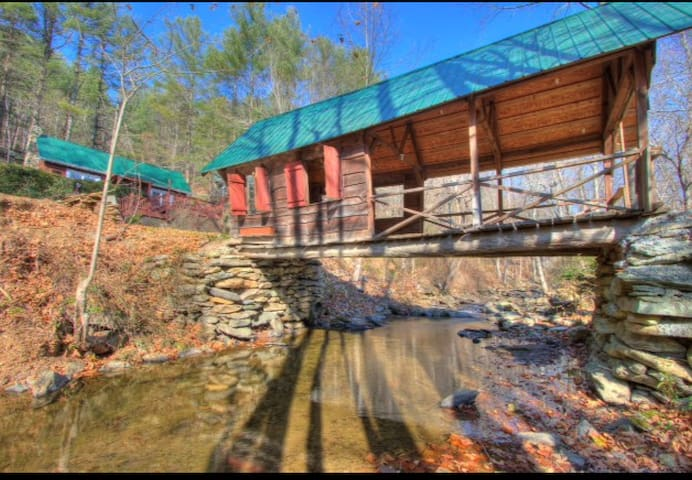 Rivers edge Covered Bridge Cabin- Boone NC