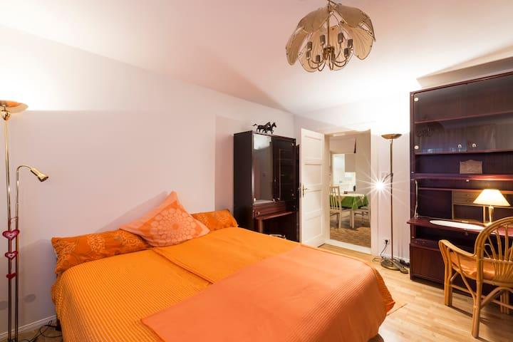 Liebevoll gestaltete Ferienwohnung im Heilzentrum - Kleinmachnow - Lyxvåning